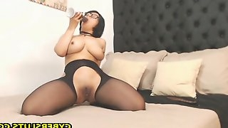 Gorgeous milf started her show by so sexy stripping and dancing