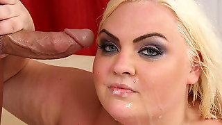 Blonde BBW Cheryl Lee