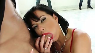 Veronica Avluv Begs For Multiple Cocks In Sexy Gangbang